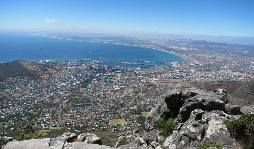 Begge jentene klarte å gå helt opp på toppen av Table Mountain.