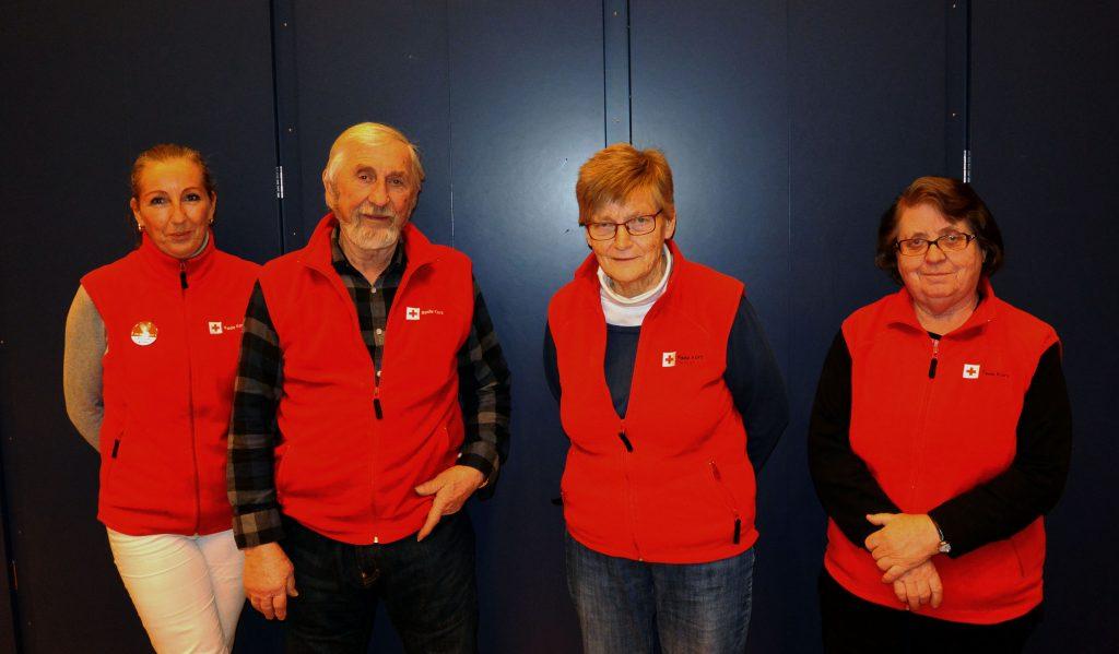 Mette Therkelsen (fra venstre), Egil Refsti, Gerd Sætra og Tove Klund er leksehjelpere i Marker. De vil gjerne ha med seg flere.